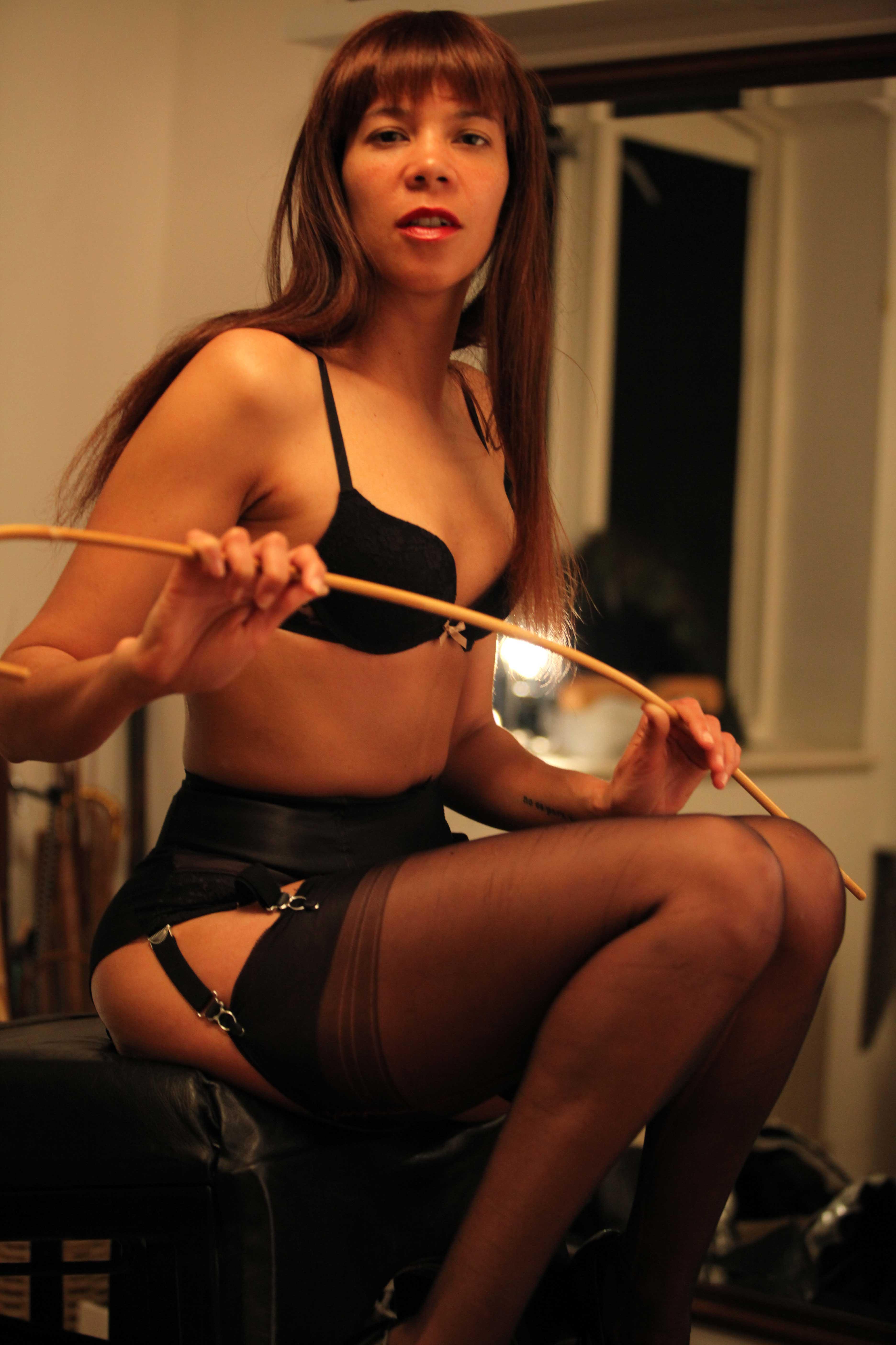 strict-london-mistress-punishment-humiliation-kings-cross-london