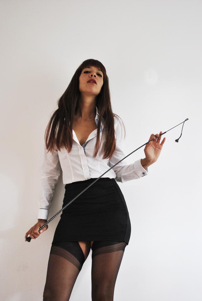 best-bondage-caning-punishment-Dominatrix-spanking-London-kings-cross