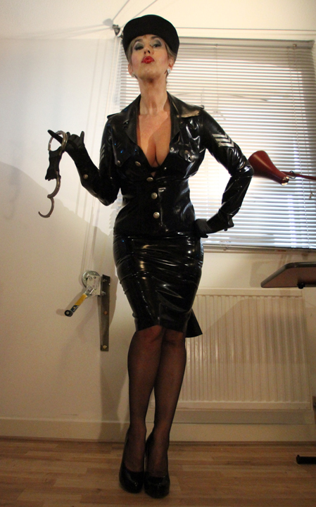 policewoman-dominatrix-powerful-interrogation-roleplay