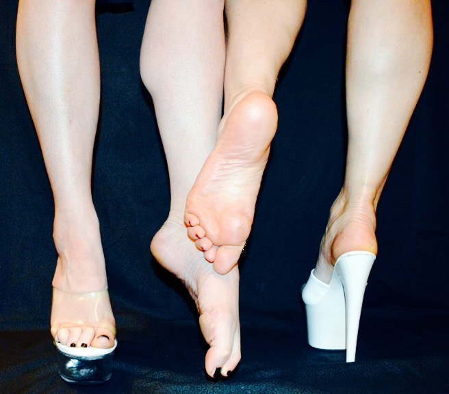 Foot-fetish-London-Mistress- Domatella-Fabula