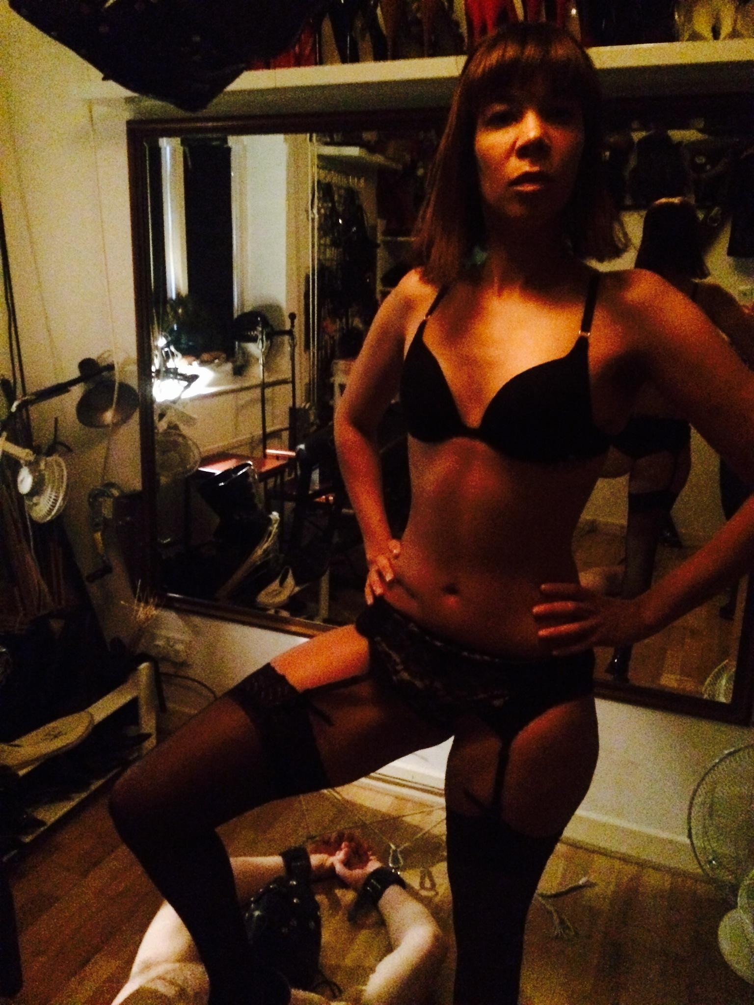 fetish-mistress-francesca-harding-london-bdsm-humiliation-punishment-mistress