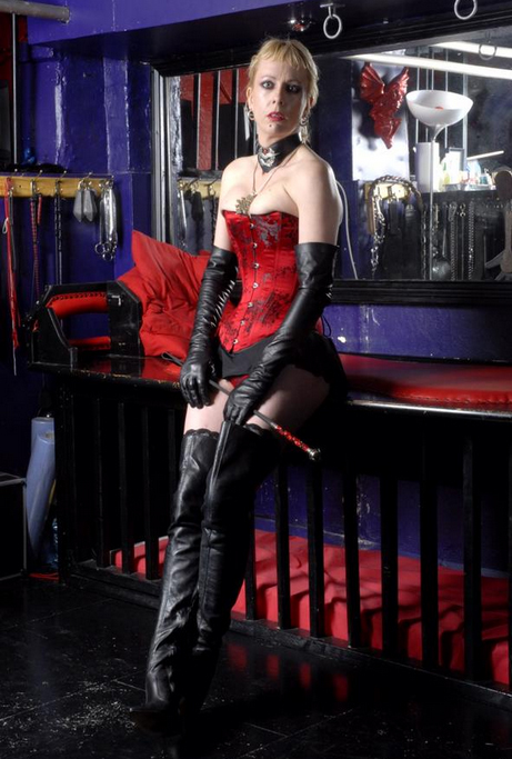 London-Mistresses-Lady-Fabula