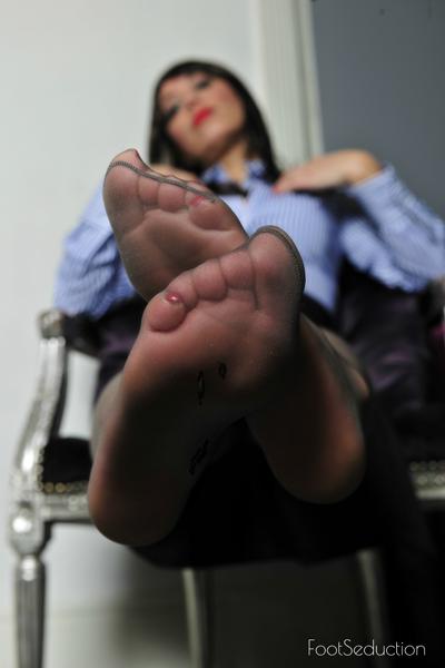 London-FootFetish-Foot-Seduction1