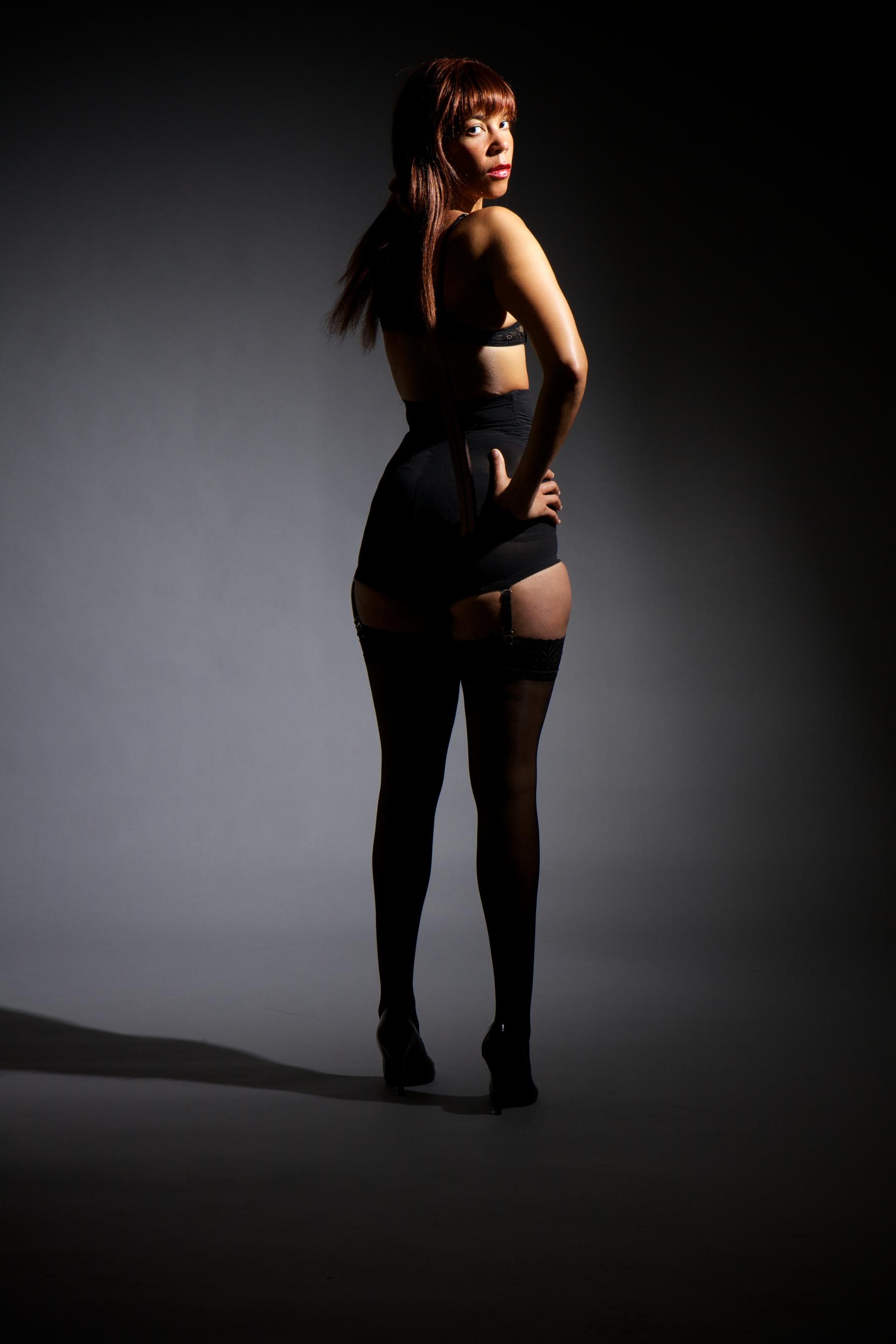 best-sexy-dungeon-mistress-franesca-harding-bondage-hard-spanking-nipple-play-caning-london-kings-cross