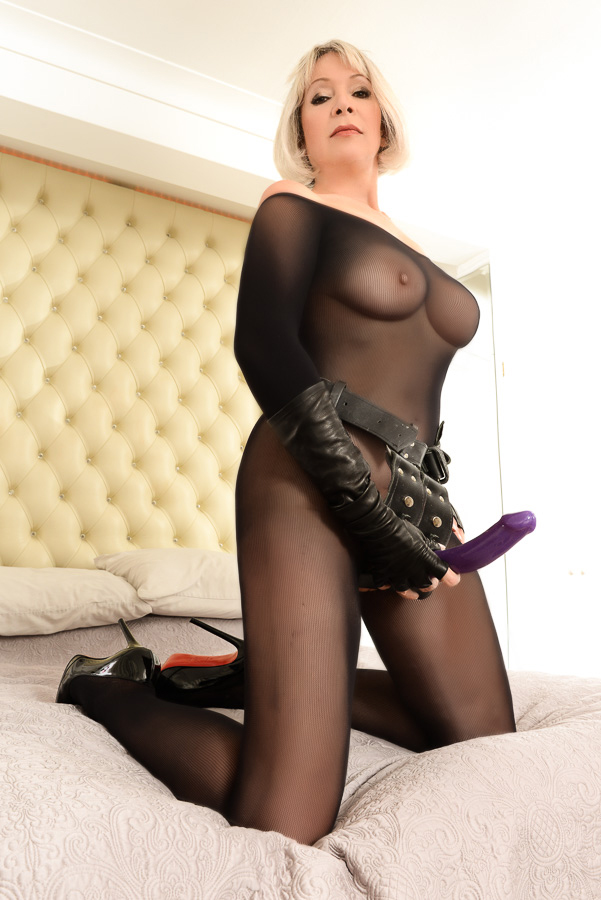 mature escort germany